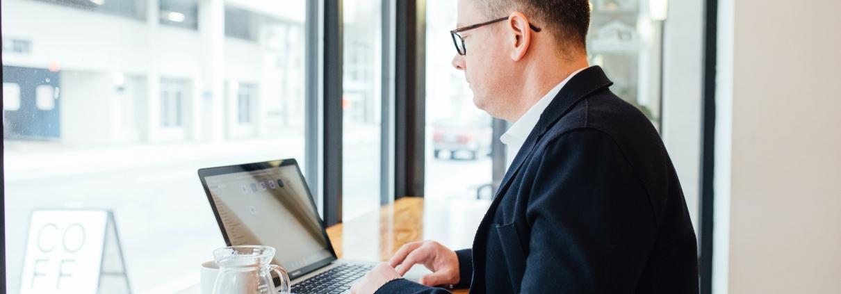 Writing a professional LinkedIn profile